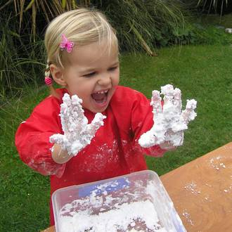 Benefits of messy play for preschoolers
