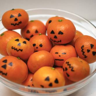 Make your own mini Halloween pumpkins
