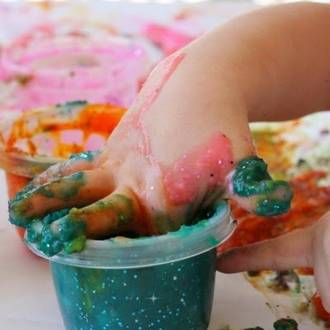 Make your own sparkly finger paints