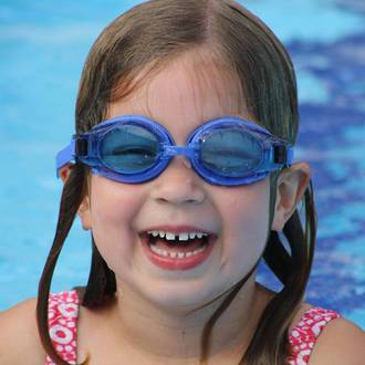 Benefits of swimming in winter for young kids