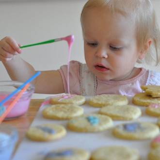 Make your own hand painted cookies