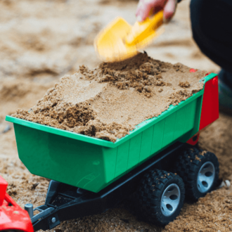 8 Sandpit play ideas for toddlers & preschoolers